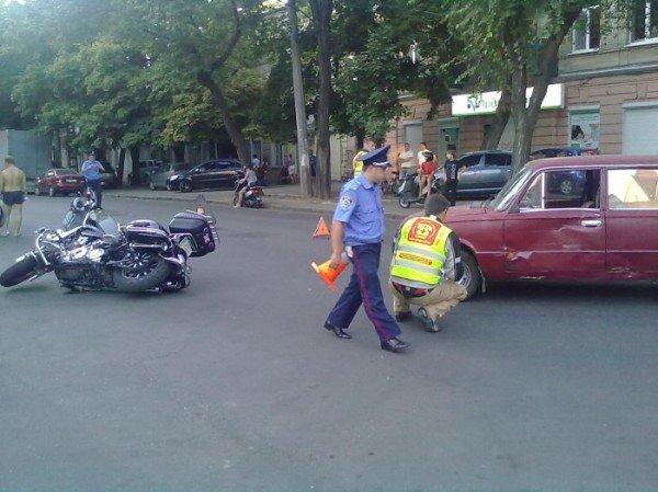 Очередная авария по ул. Новосельского с участием байкера (фото), фото-4